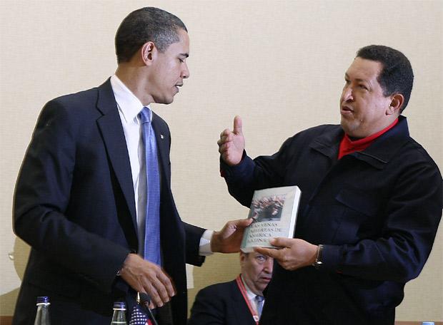 Presidente Chávez regala el libro Las Venas Abiertas de América Latina al Presidente Obama-fidelvasquez