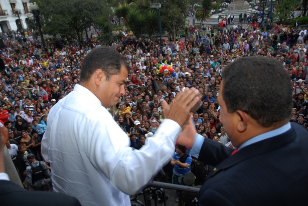 http://fidelernestovasquez.files.wordpress.com/2009/05/rafael-correa-y-hugo-chavez-fidel-ernesto-vasquez.jpg?w=614&h=412