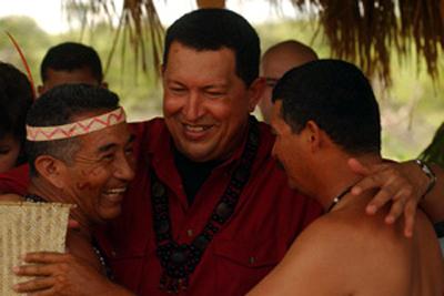 Resultado de imagen para chavez con indigenas