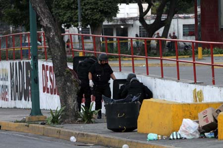 artefacto explosivo-Fidel Ernesto Vasquez