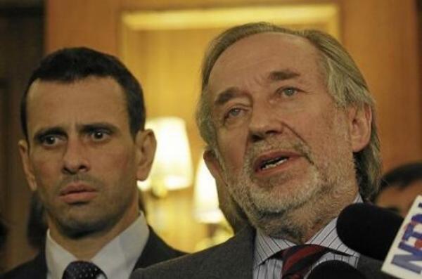 Jovino Novoa-Capriles-Fidel Ernesto Vasquez