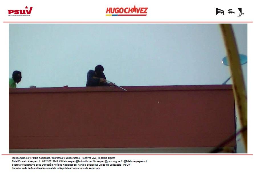MERCENARIOS DE LA DERECHA TERRORISTA DISPARAN HIRIENDO A POLICÍAS Y CIVILES DESDE AZOTEA DE LAS RESIDENCIAS APAMATE, EN AVENIDA CARDENAL QUINTERO DE LA CIUDAD DE MÉRIDA -05