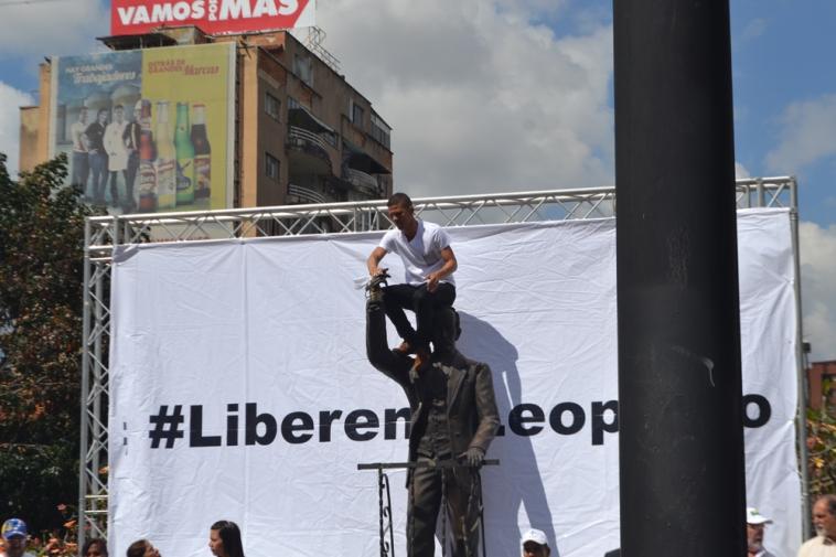 ultraje al monumento de Jose Marti-Fidel Ernesto Vasquez